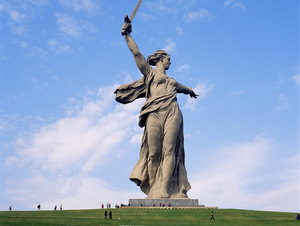 Monument_Mother_Russia_Volgograd-1
